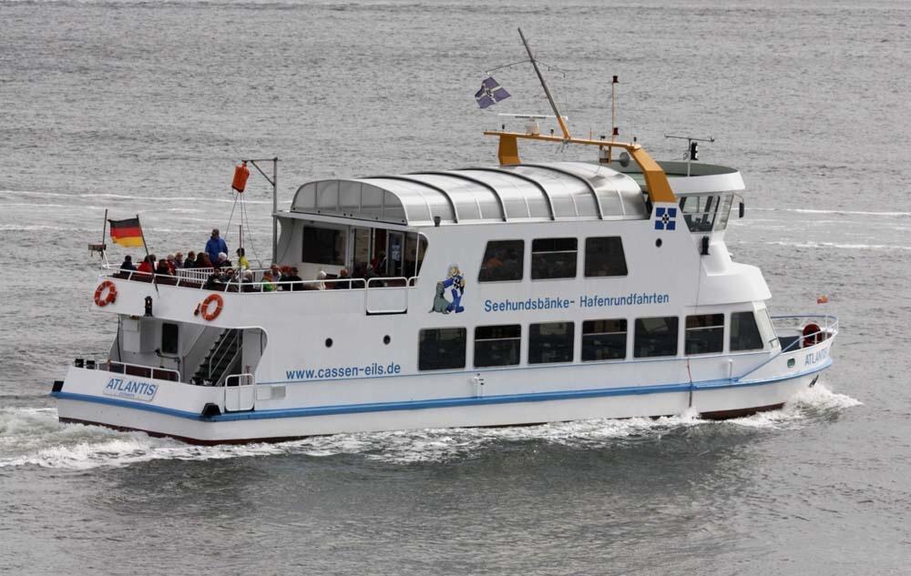 Kreuzfahrtschiffe Vor Cuxhaven